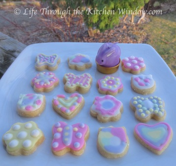 Simple Pleasures ❦ Springtime Cookies for Easter | © Life Through the Kitchen Window.com