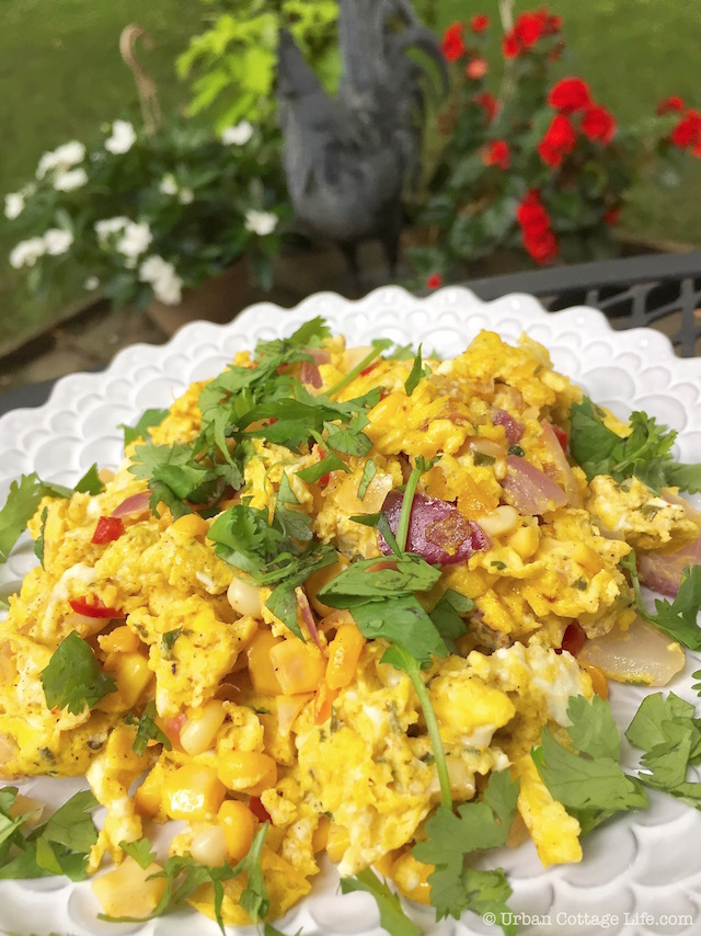 Scrambled Eggs with Corn Salsa | © Urban Cottage Life