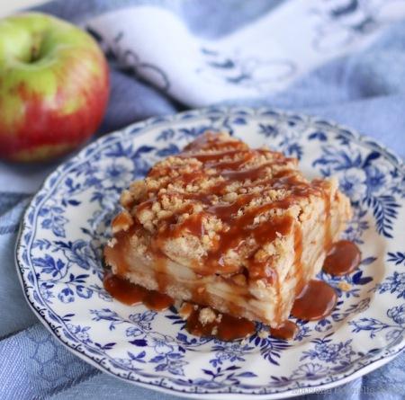 Caramel Apple Crumble Bars |© Urban Cottage Life.com