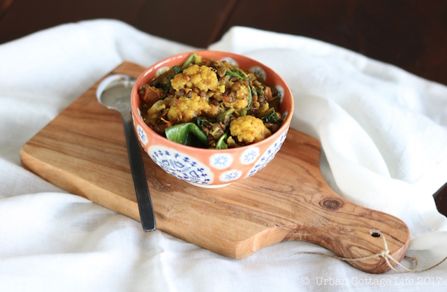 Lentil Cauliflower Curry | © UrbanCottageLife.com 2017